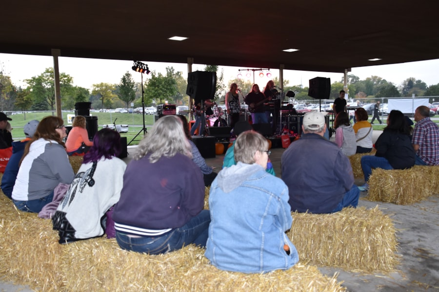 <big><big>There was live music and plenty of hay!